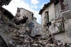 image001-6-300x199 地震の防災に向けた取り組み〜どのように備えて知識や情報を得るか〜