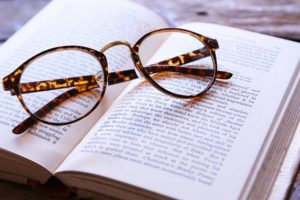 image002-8-300x200 高校生の読書感想文の書き方〜おすすめの本と書き出し・例文について〜