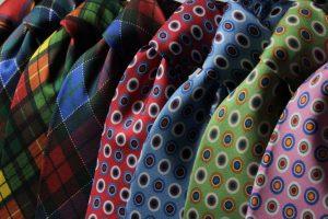image002-2-300x193 結婚式の男性の服装のマナー〜スーツ・ネクタイ・靴の選び方〜