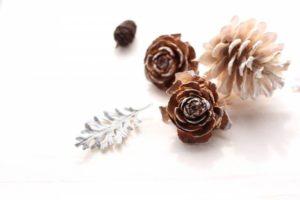 image002-19-219x300 松ぼっくりの手作りクリスマスリース!おしゃれな白や金の作り方とは?