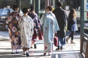image002-29-300x200 初詣の着物の種類とマナー!振袖や小紋の防寒対策には羽織を選ぶ!