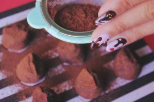 image004-15-300x200 バレンタインには手作りで大量生産!簡単でかわいいチョコレシピとは?