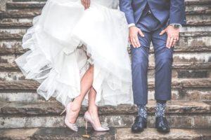 image002-300x200 結婚式のお呼ばれの受付マナー!ゲストが守る時間やご祝儀の渡し方とは?