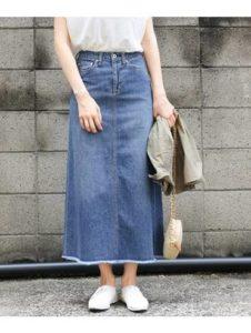 image002-10-226x300 20代のデニムロングスカートおすすめコーデ!夏に似合うトップスは?