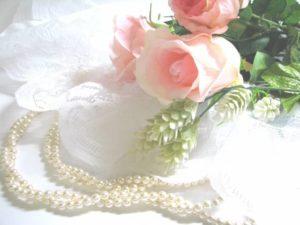 image004-10-300x225 40代女性の冬の結婚式フォーマルドレス!大人のお呼ばれコーデとは?