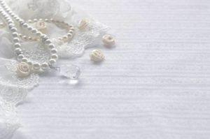 image002-6-300x200 親族の結婚式で着るパンツドレス!20代女性の服装マナーとは?